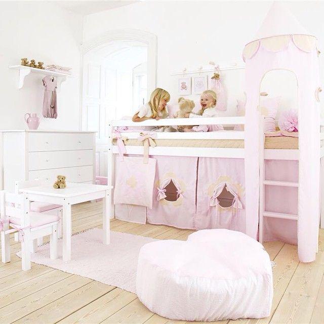"""""""Utvalget av Hoppekids barnemøbler er stort og med mange flotte detaljer!  #kidsparadise #hoppekids #halvhøyseng #barnerom #prinsesserom #jenterom"""""""