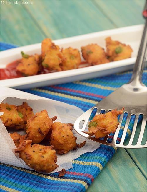 Poha Bhajias recipe   by Tarla Dalal   Tarladalal.com   #39437