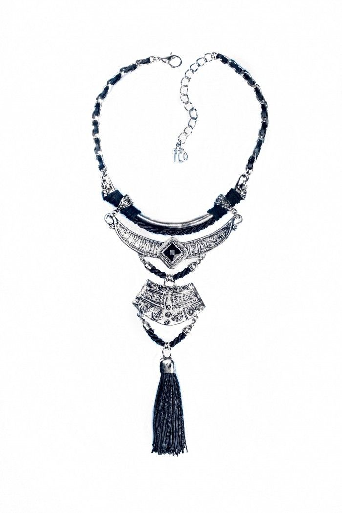 f8a320e7c Maxi colar sharman black | colares | Tassel necklace, Black e Mariana