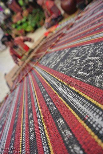 Mandaya Woman weaving Dagmay Fabric, Davao City PHILIPPINES