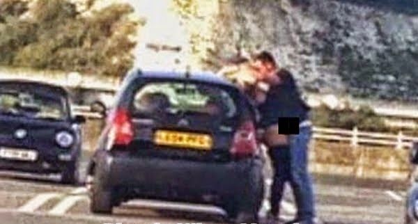 Blog Paulo Benjeri Notícias: Casal é flagrado fazendo sexo em estacionamento de...