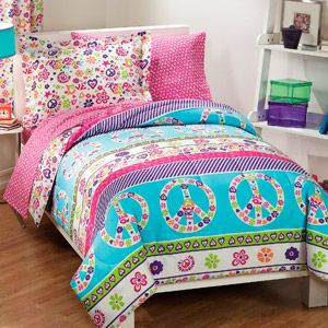 Peace and Love Reversible Bed in a Bag  I want to get these for the girls bunk beds!