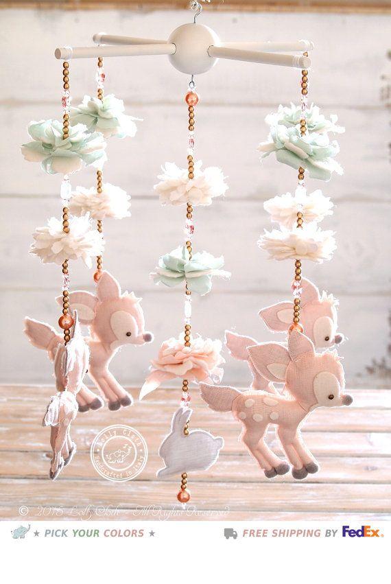 Fauve Baby Mobile + 100 Swarovski kristallen, herten Decor van de kwekerij, Baby meisje kwekerij Mobile, hert, mobiele babymeisje, bosrijke mobiel, gratis verzenden