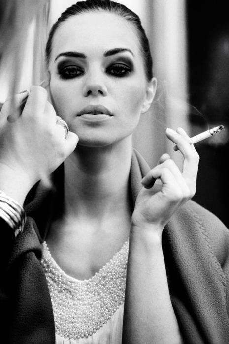 .Models, Dark Makeup, Black N White, Eye Makeup, Beautiful, Black White, Emo Makeup, Fashion Photography, Smokey Eye