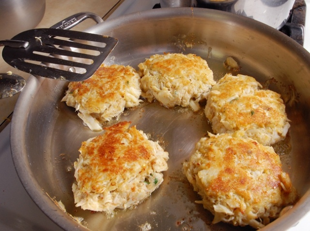Perfect Crab CakesMaryland Crab Cakes, Mom Maryland, Food250 Crabs, Maine Dishes, Yummy Food, Crabs Meat, Maryland Crabcakes, Lump Crabs, Maryland Crabs Cake