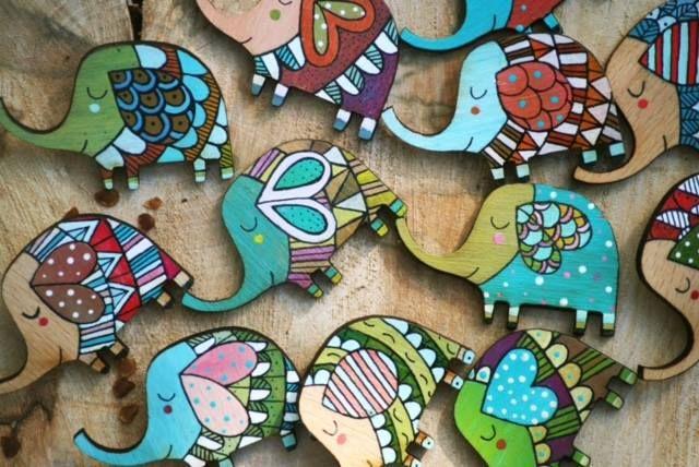 Natural and organic wooden animals. #woodenbadge #handpainted