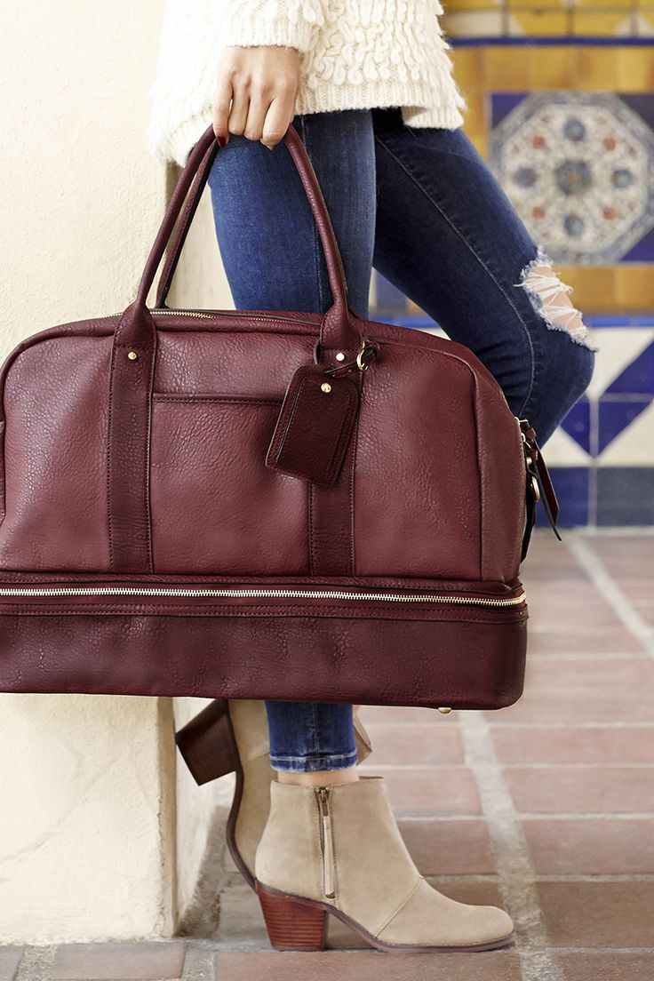 Stylish oxblood weekender bag with a bottom shoe compartment, perfect for upcoming fall & winter getaways. Perfect not just for travel, but also as a gym or hospital bag! | Sole Society Mason