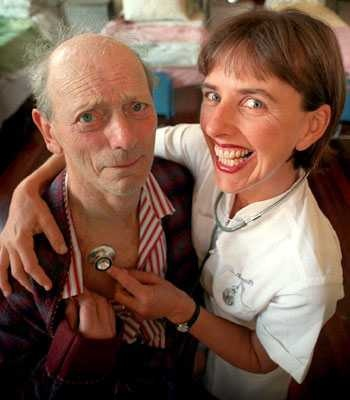 On February 7, 2009, veteran British/Australian actor Reg Evans and his partner, Angela Brunton, died in the 2009 Victorian bushfires. Also known as the Black Saturday bushfires, these were a series of bushfires that ignited or were burning across the Australian state of Victoria during extreme bushfire-weather conditions, resulting in Australia's highest ever loss of life from a bushfire. 173 people died as a result of the fires, and 414 were injured. Evans is believed to have told friends…