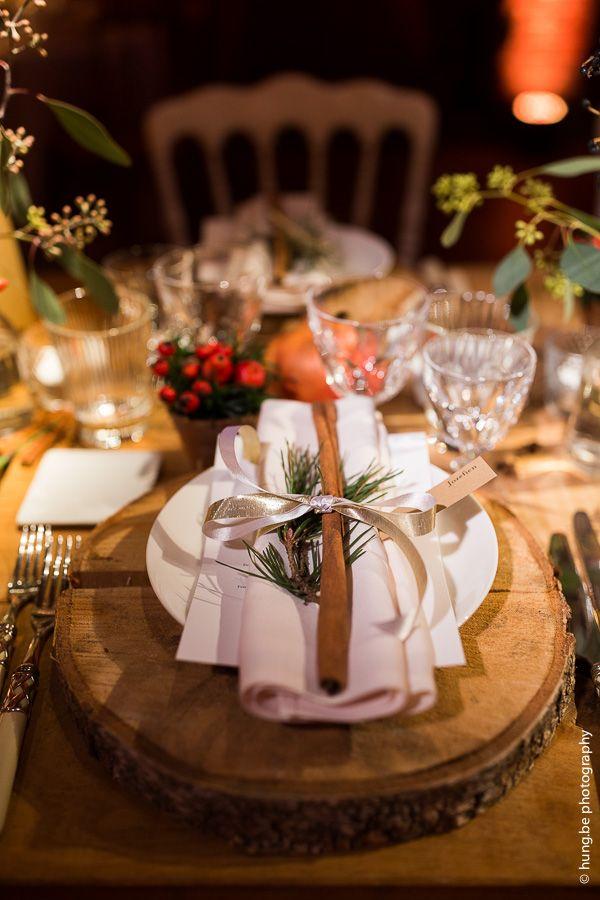 Winter Wedding In December   Vintaga Inspired Table Decoration With  Cinnamon, Berries U0026 Wood