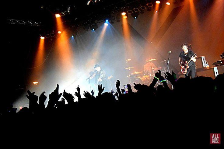 Koncertowa noc niespodzianek z Kensington w warszawskiej Progresji. Relacja Justyny Rojek i zdjęcia Dominiki Mrówczyńskiej   All About Music