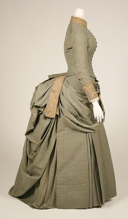 Wedding ensemble, 1887 The Metropolitan Museum of Art  #1880s #victorian