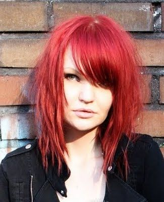 I love this haircut (the color is also cool, though it probably wouldn't fit with my whole...uh, life).
