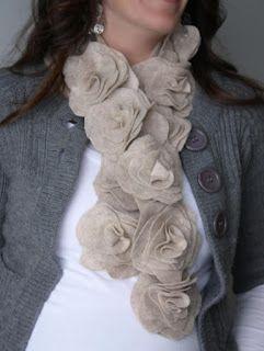 Artes Viviane Magalhães: Como fazer cachecol com flores de feltro passo a passo