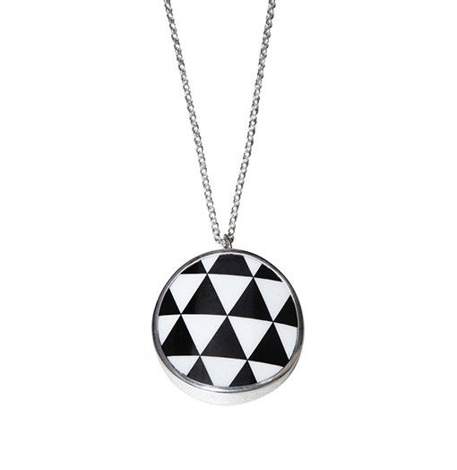 Harlequin black necklace - Geometric - TEMA #sägen #necklace #jewellery #jewelry #porcelain #geometric #nordicdesign #nordicdesigncollective #nordic #scandinavian #designers