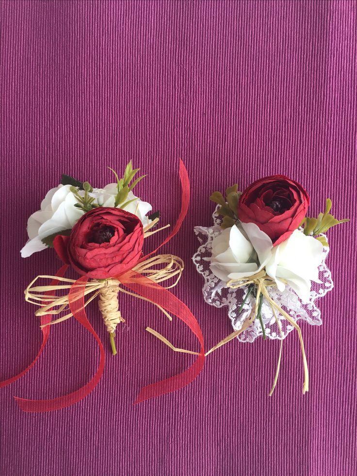 Damat ve Gelin Yaka çiçeği Hasır Jut ipler, yapay çiçekler ve güpürlerle süslü