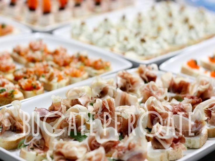 Meniu bufet suedez 2 | Organizari Evenimente Nunti Botezuri Bucuresti. Bufetul suedez rece este compus din platouri de unica folosinta sau ceramica pe care sunt asezate tartine, rulouri, canapes-uri, finger food, salate