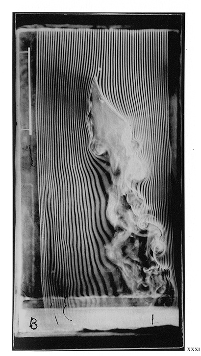 Fluid movement - by Etienne-Jules Marey, 1901 - concave surface, 30-degree angle, smoke machine equipped with 57 channels - © Cinémathèque française