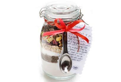 DIY food gifts, food gifts in jars, cookie mix in jars, bread mix in jars, soup mix in jars