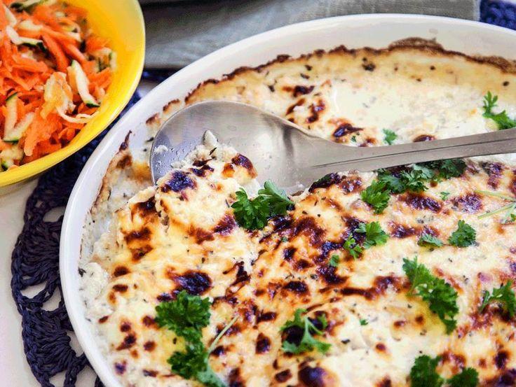 Parmesangratinerad torsk är en riktigt välsmakande och lättlagad varmrätt, perfekt vardagsmat! Här hittar du receptet på en god rätt på torsk i ugn.