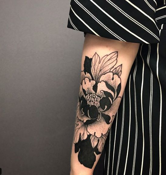 Heavy Black Tattoo Cover Up: Really Beautiful Cover Up Tattoo. A Peony Flower With