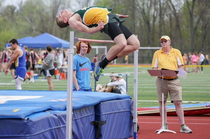 Photos of George Steele Relays held by Massachusetts State Track Coaches Association at West Springfield High School Clark Field on April 29 (Hoang 'Leon' Nguyen' / The Republican)
