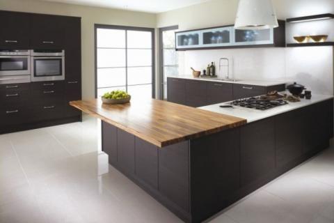 Кухня в коричнево-серых тонах