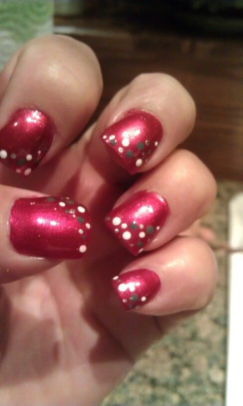 Ohio State Nails - I'd use silver glitter for the grey to give it some pizzazz.