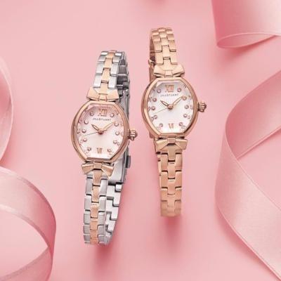 腕周りから女子力アップジルスチュアートの腕時計がかわいい