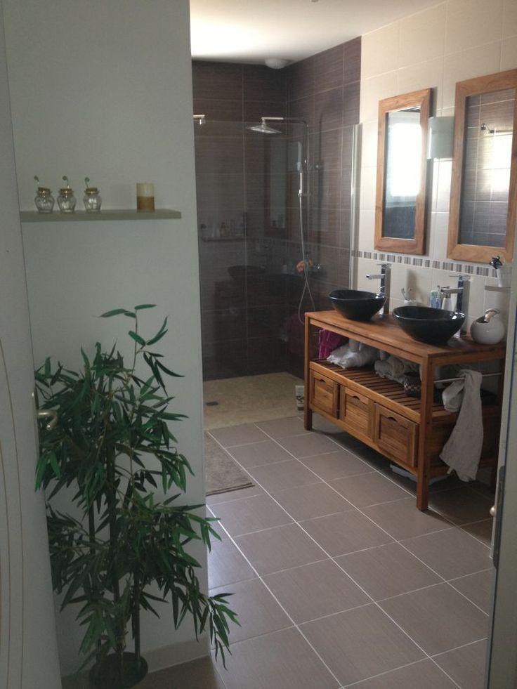 9 best Salle de bain 1 images on Pinterest Bath vanities, Bathroom - prise de courant dans salle de bain