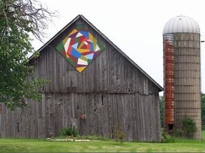 crazy quilt: Crazy Quilts, Quilts Patterns, Sturgeon Bays, Doors County, Quilts Blocks, Barns Quilts Squares, Barn Quilts, Quilts Barns, Old Barns