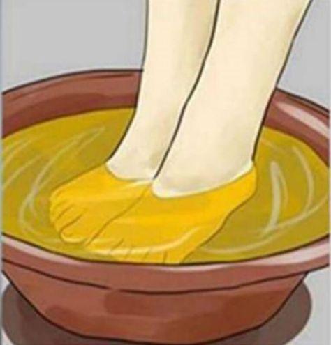 Mettendo a bagno i piedi nell'aceto si ottengono grandi risultati. Ecco perché è molto importante per la nostra salute…