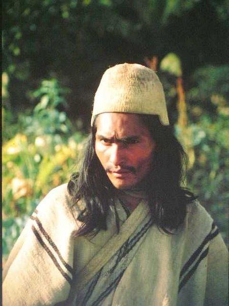 Arhuaco aus Nabusimake  Los arhuacos o ikas se encuentra Guatapurí, en la vertiente occidental y sur oriental de la Sierra Nevada de Santa Marta.