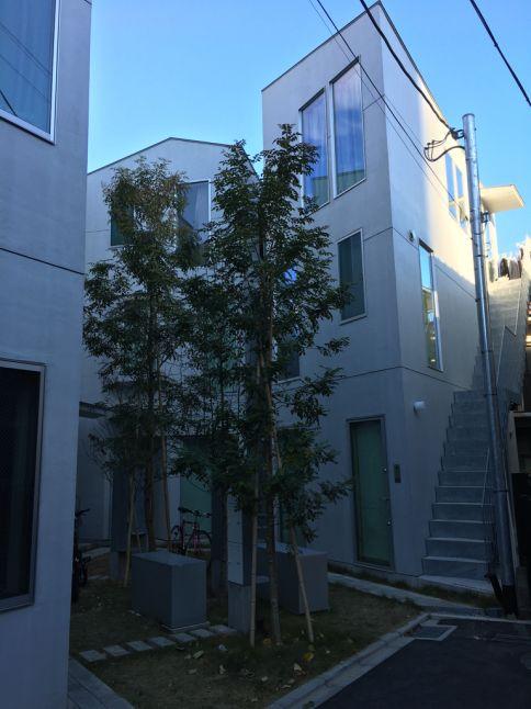 東新宿テラス | 都内へ散歩 : 体温を感じる家 ...
