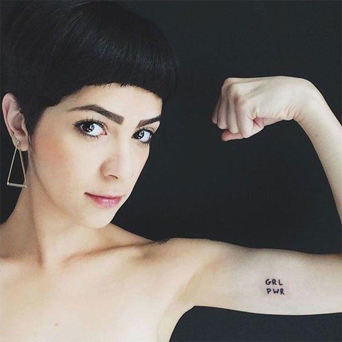 Tatuagens para as manas? Sim, por favor! Confira a nossa seleção de rabiscos incríveis e feministas para você colorir a pele