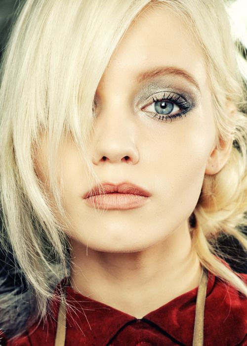 #makeupEye Makeup, Beautiful, Blue Eye, Gorgeous Makeup, Eyeshadows, Eyemakeup, Smokey Eye, Hair, Abbey Lee Kershaw