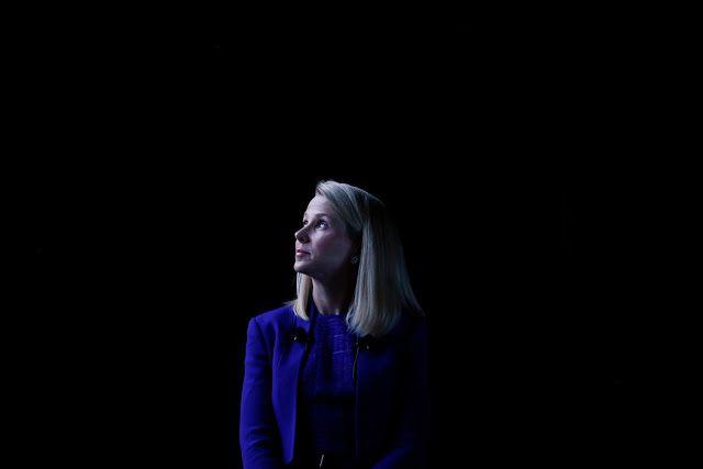 Estados Unidos acusa a espías rusos del robo masivo de datos sufrido por Yahoo   Marissa Mayer la que pronto dejará de ser la CEO de Yahoo se ha hecho eco esta semana de las conclusiones a las que ha llegado el FBI al respecto de uno de los múltiples hackeos que el correo de Yahooha sufrido en los últimos años. Estados Unidos acaba de acusar formalmente a dos agentes del servicio de inteligencia rusode ser los responsables de al menos tres de los ataques que ha sufrido la compañía en esta…