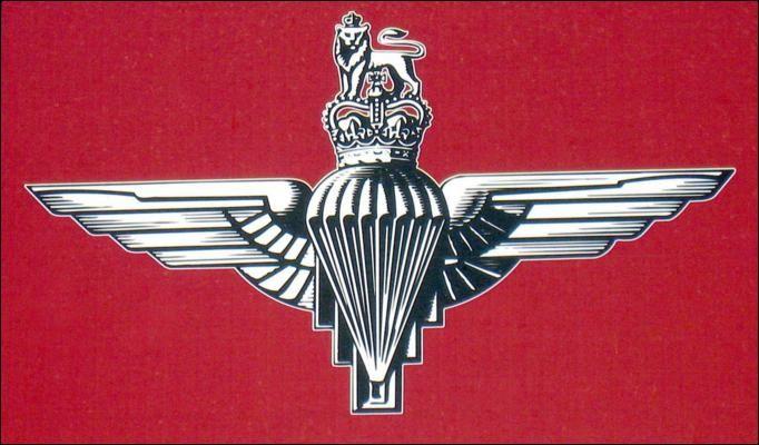 BRITISH PARACHUTE REGIMENT CAP BADGE