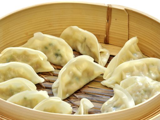 Raviolis chinois à la vapeur : Recette de Raviolis chinois à la vapeur - Marmiton