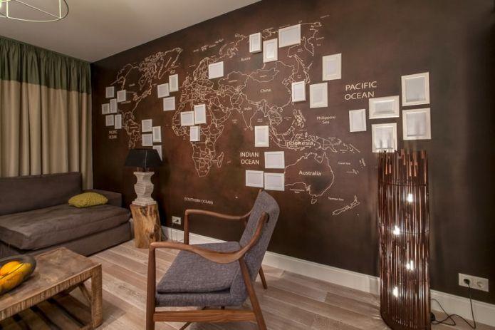 карта мира в интерьере гостиной 18 метров
