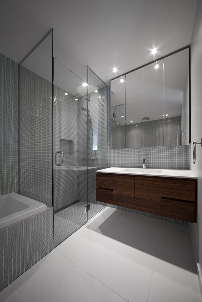 Bathroom with white tiles by ciot in montreal renovation for Bathroom design montreal