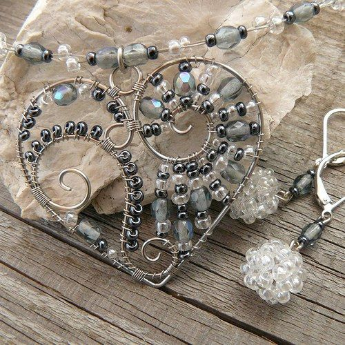 .wire and bead heart - picture only