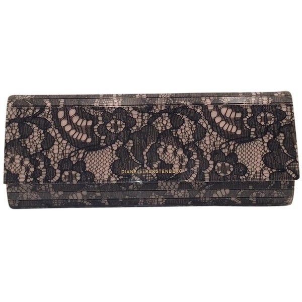 Pre-owned Diane Von Furstenberg Twilight Lace Black And Nude Clutch (£125) ❤ liked on Polyvore featuring bags, handbags, clutches, black and nude, black lace handbag, pre owned handbags, nude clutches, preowned handbags and black floral handbag