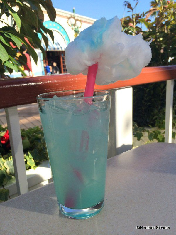 Cotton Candy Lemonade at The Cove Bar in #Disneyland