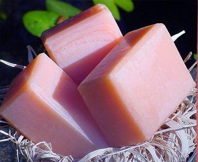 Shampooing solide ou après-shampooing solide : recettes de cosmétiques naturels maison avec macosmetoperso