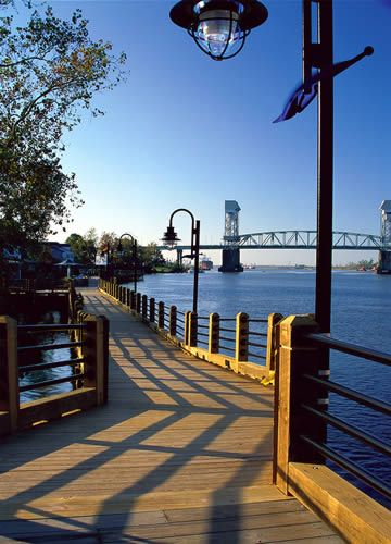 Wilmington - North Carolina. Where One Tree Hill was filmed. Yes, I need to see the river court.