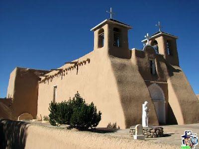 La iglesia San Francisco de Asís es una pequeña misión en Ranchos de Taos, Nuevo México. La construcción de la iglesia comenzó alrededor de 1772 y fue completado en 1815 por los Padres Franciscanos y su patrón es San Francisco de Asís. Es de adobe al igual que muchas de las misiones españolas en Nuevo México.