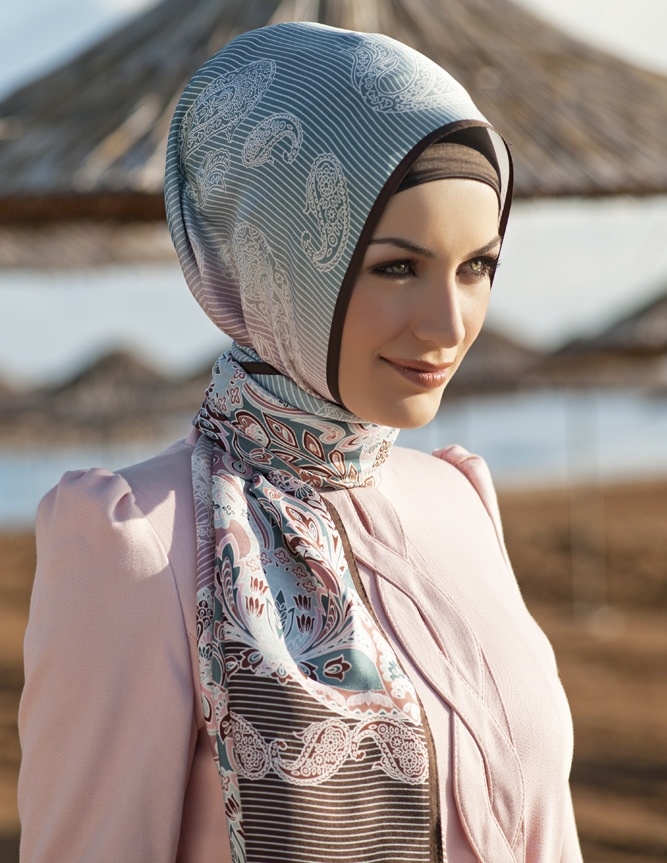 Gorgeous fabric and hijab style!