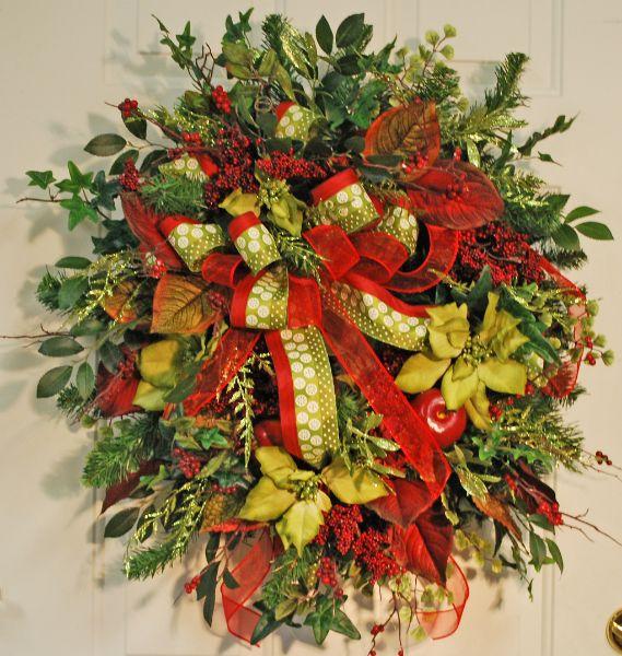 11)  Double Bow Outdoor Christmas Wreaths
