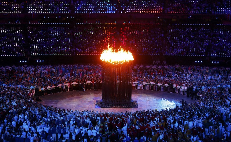 El pebetero olímpico durante la ceremonia de apertura de los Juegos Olímpicos de Londres 2012.