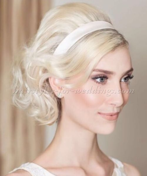 Best 25+ Wavy bridal hair ideas on Pinterest | Wavy ...